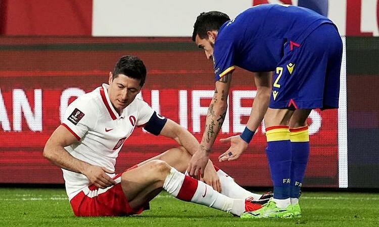 Ketidakmampuan Lewandowski menghadiri pertandingan ulang dengan PSG merupakan kerugian besar bagi Bayern.  Foto: Reuters.