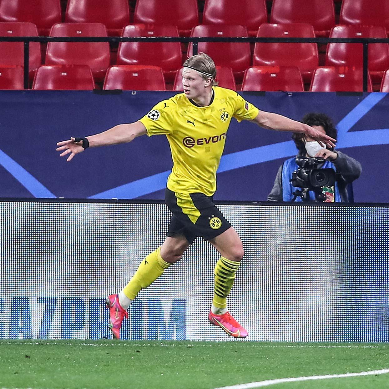 Haaland đang có 33 bàn qua 31 trận cùng Dortmund trên mọi đấu trường mùa này. Ảnh: AFP