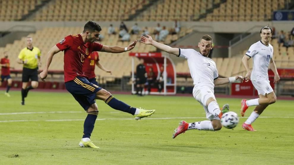 Torres mencetak gol pertandingan kedua berturut-turut untuk Spanyol.  Foto: Marca.