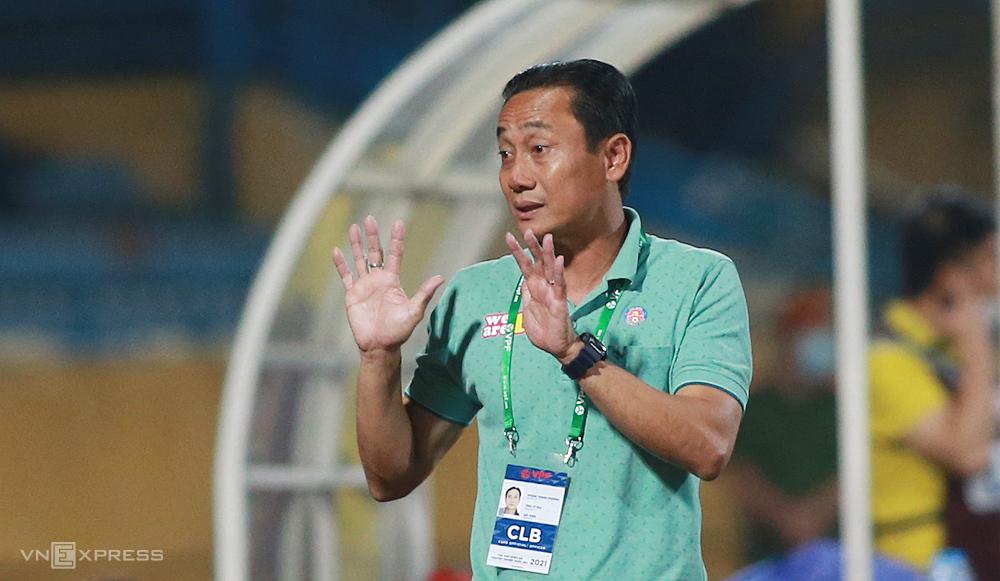 HLV Phùng Thanh Phương chưa thể giúp Sài Gòn FC chặn được mạch thua. Ảnh: Lâm Thoả