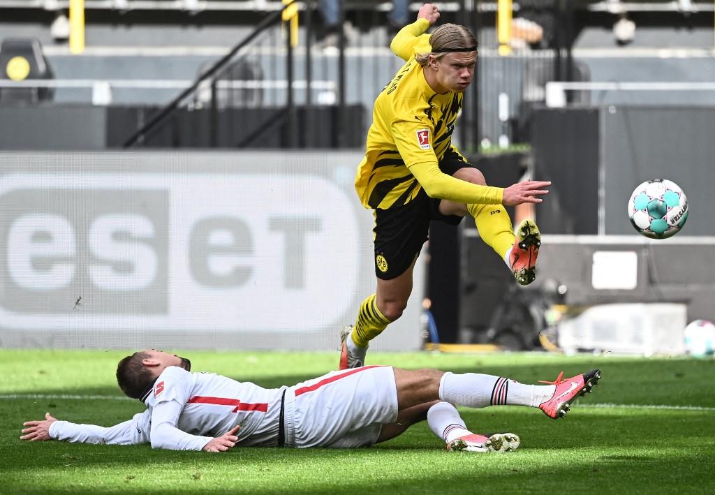 Haaland hỏng ăn trong trận Dortmund thua Frankfurt 1-2 hôm 3/4. Ảnh: AFP