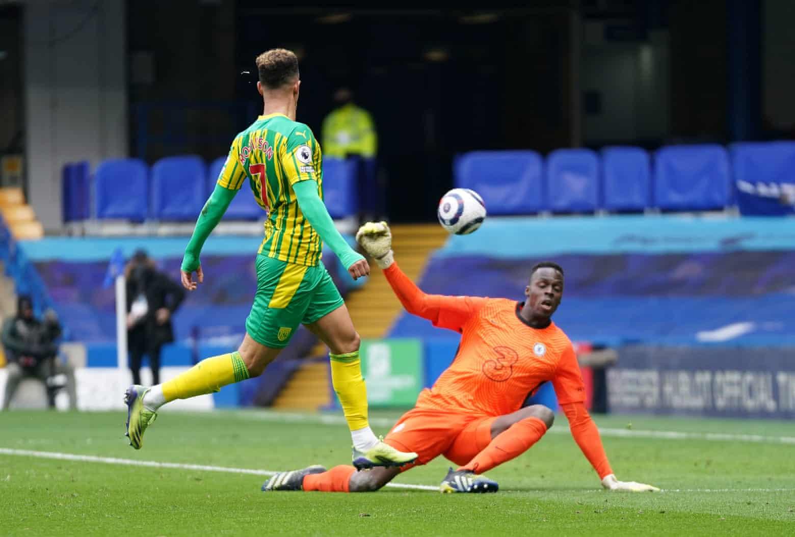 Thủ môn Edouard Mendy năm lần bị đánh bại bởi các chân sút West Brom hôm 3/4.