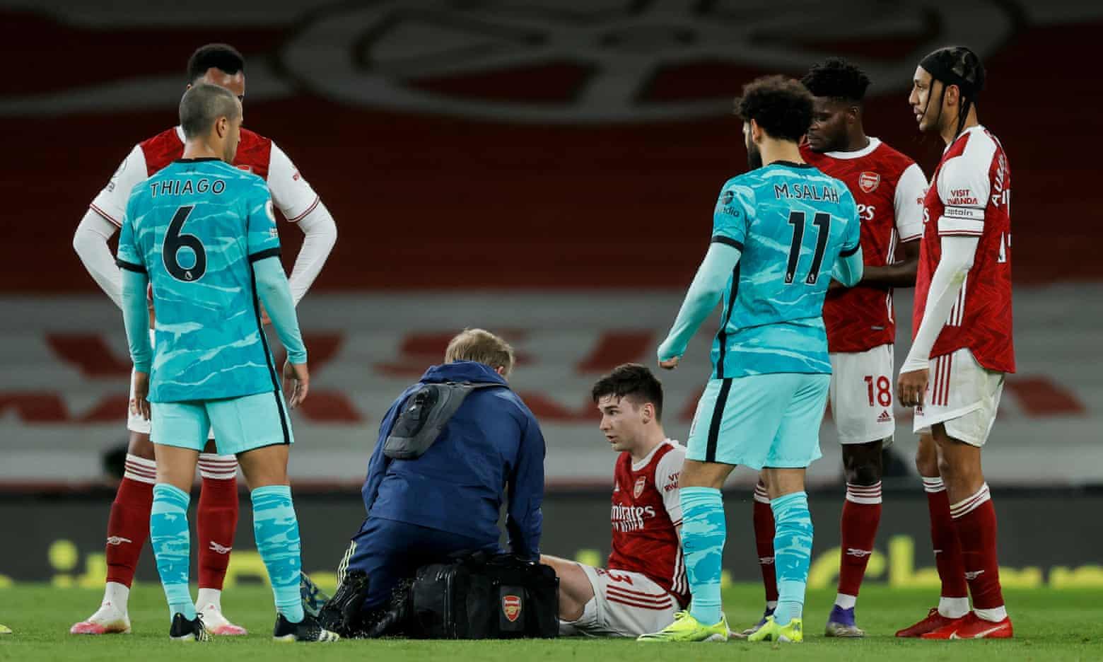 Cedera Tierney di sisi Arsenal sejak akhir babak pertama menjadi titik balik yang mengubah permainan.  Foto: The Guardian