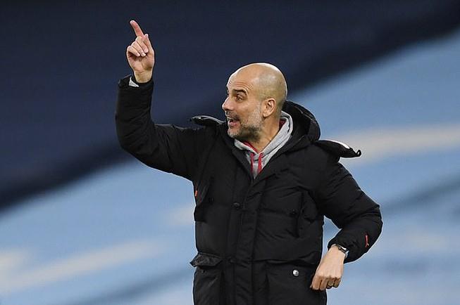 Guardiola liên tục phải xoay đội hình Man City từ đầu mùa. Ảnh: Reuters.