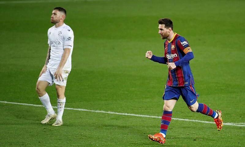 Messi (phải) và đồng đội là tràn đầy cơ hội đoạt La Liga. Ảnh: EFE