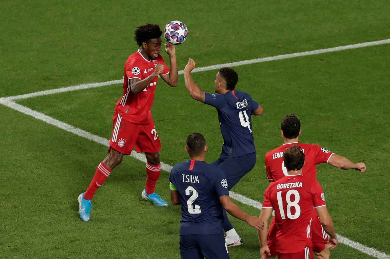 Coman (trái) ghi bàn giúp Bayern hạ PSG 1-0 ở chung kết năm 2020 trên sân Lisbon. Ảnh: Reuters