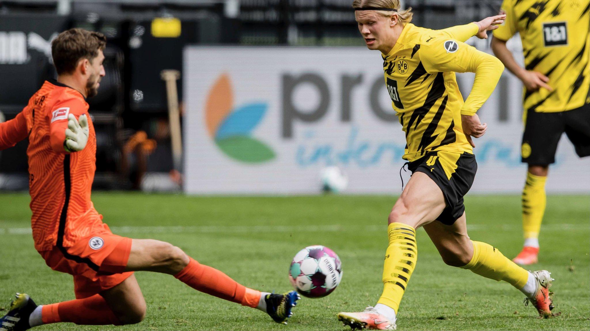 ฮาลันด์แสดงอาการว้าวุ่นใจเมื่อเร็ว ๆ นี้และความล้มเหลวในการทำประตูของเขาอาจทำให้ความหวังของดอร์ทมุนด์ในการไปแชมเปี้ยนส์ลีกน้อยลงเรื่อย ๆ ในฤดูกาลหน้า  ภาพ: Twitter / Dortmund