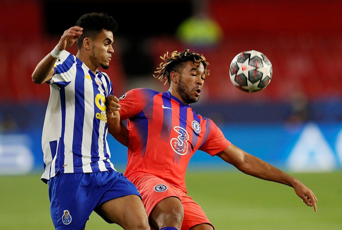 Porto (trái) dứt điểm chín lần, hưởng chín phạt góc nhưng không thể ghi bàn trước Chelsea. Ảnh: Goal.