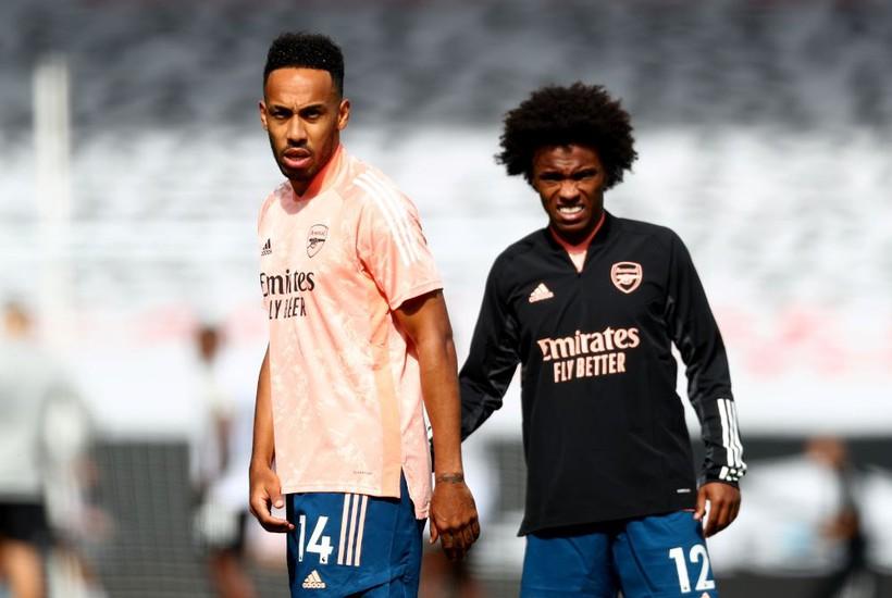 Willian dan Aubameyang disebut-sebut sebagai nama Petit yang kecewa dan ingin Arsenal dilikuidasi.  Foto: Reuters