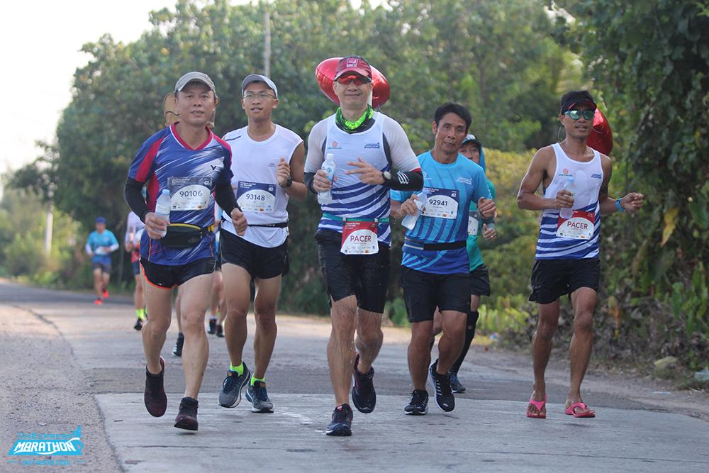 Vận động viên trên đường chạy VM Quy Nhơn 2020. Ảnh: VnExpress Marathon.