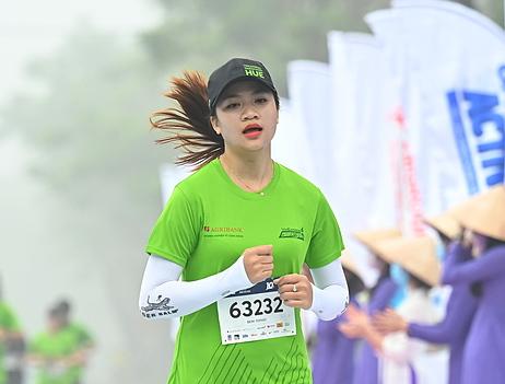 Athletes running at VM Hue.  Photo: VnExpress Marahton.