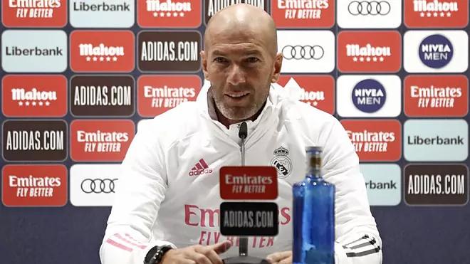 Zidane và Real đang hướng đến cú đúp La Liga và Champions League mùa này. Ảnh: RM.