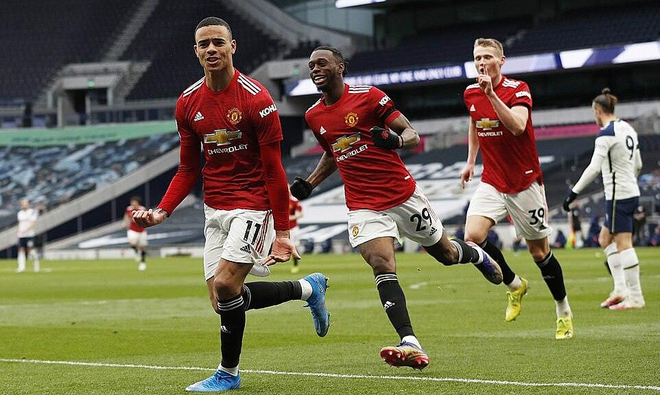 Greenwood (kiri) merayakan skor 3-1 untuk Man Utd.  Foto: Reuters