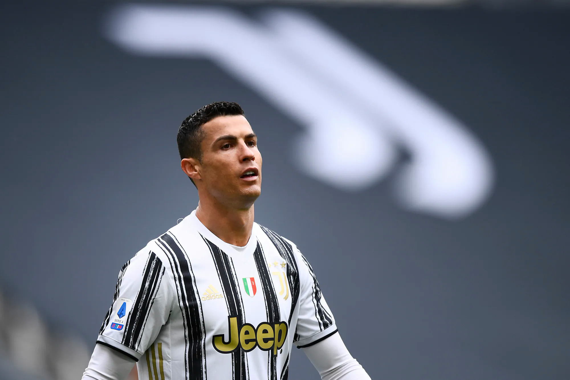 Ronaldo did not hide his inhibitions after winning Genoa 3-1 on April 11.  Photo: imagephotoagency.it