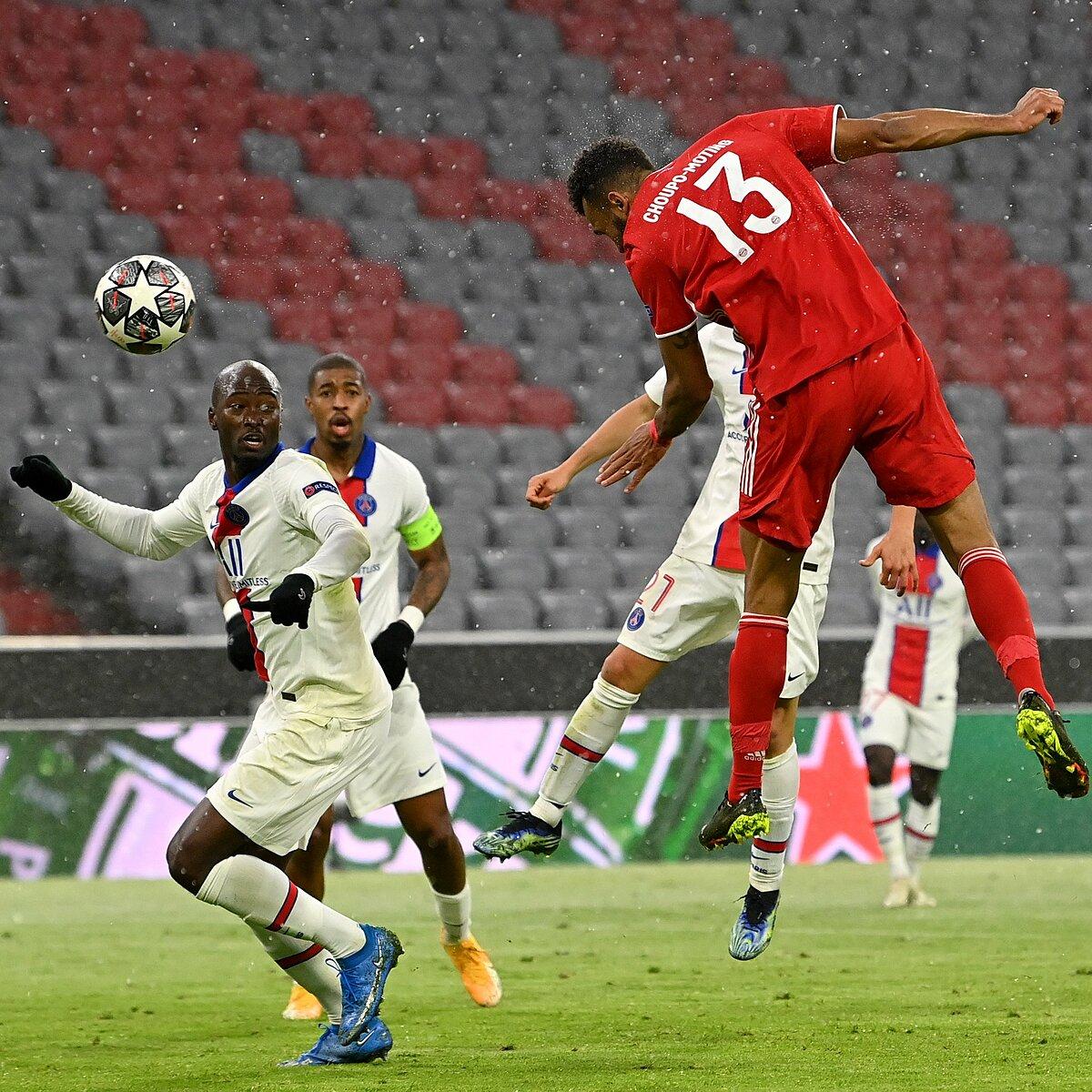 Choupo-Moting cố gắng hết sức, nhưng vắng Lewandowski, Bayern ngay lập tức gặp vấn đề lớn trên hàng công. Ảnh: Twitter / UEFA