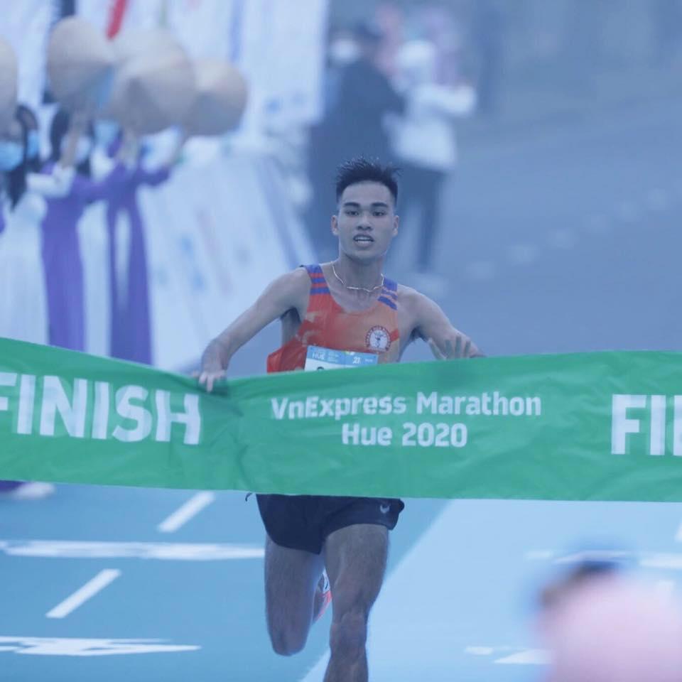 To Trung Duc, the 21 km VnExpress Marathon champion Hue 2020