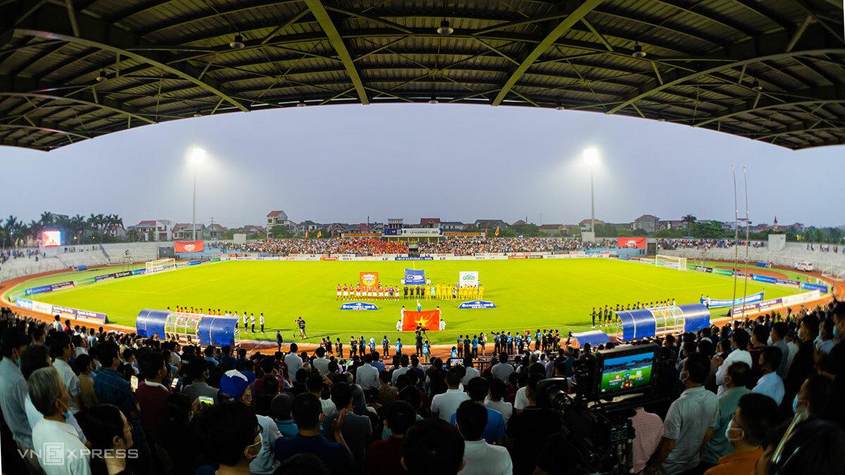 Ha Tinh Stadium ในการแข่งขัน V-League 2021 ภาพ: Duc Hung