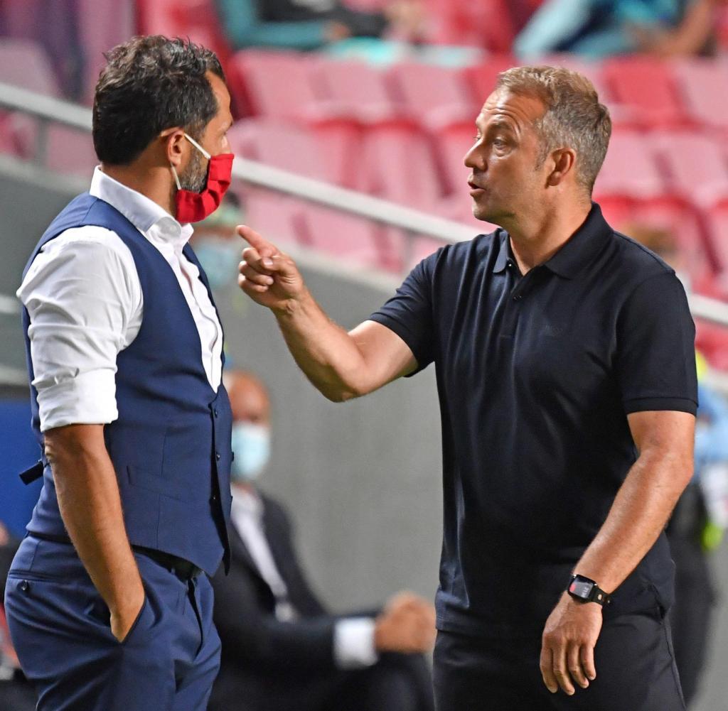 Flick và Salihamidzic được cho là mâu thuẫn lớn từ đầu mùa này, xoay quanh chính sách chuyển nhượng của Bayern. Ảnh: imago