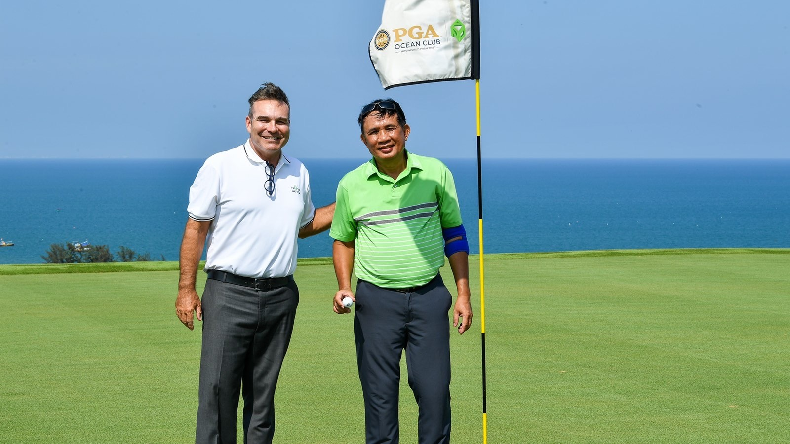 Golfer Nguyen Huu Thanh overcame a series of traps installed in hole 11 to score the first hole-in-one of the tournament.