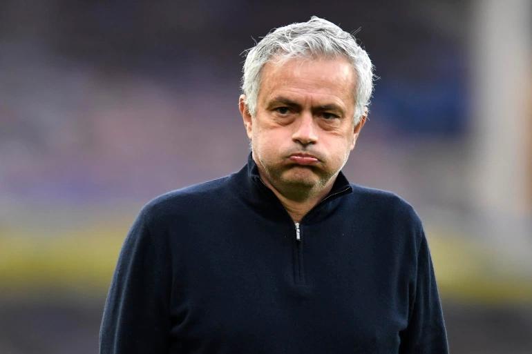Mourinho harus meninggalkan Tottenham setelah 17 bulan bekerja.  Foto: Reuters.