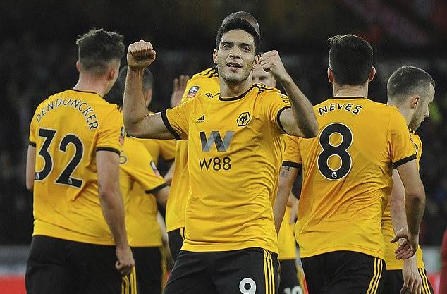 Nếu được công nhận, Wolves sẽ trở thành nhà vô địch Ngoại hạng Anh với chỉ 57 điểm. Ảnh: AP.