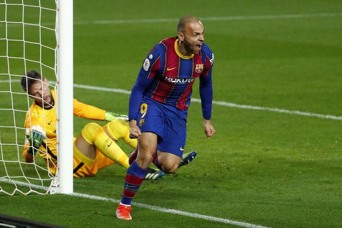 Braithwaite bergabung dengan Barca pada akhir Februari 2020, dengan kontrak berlaku hingga 30 Juni 2024.  Foto: AFP.