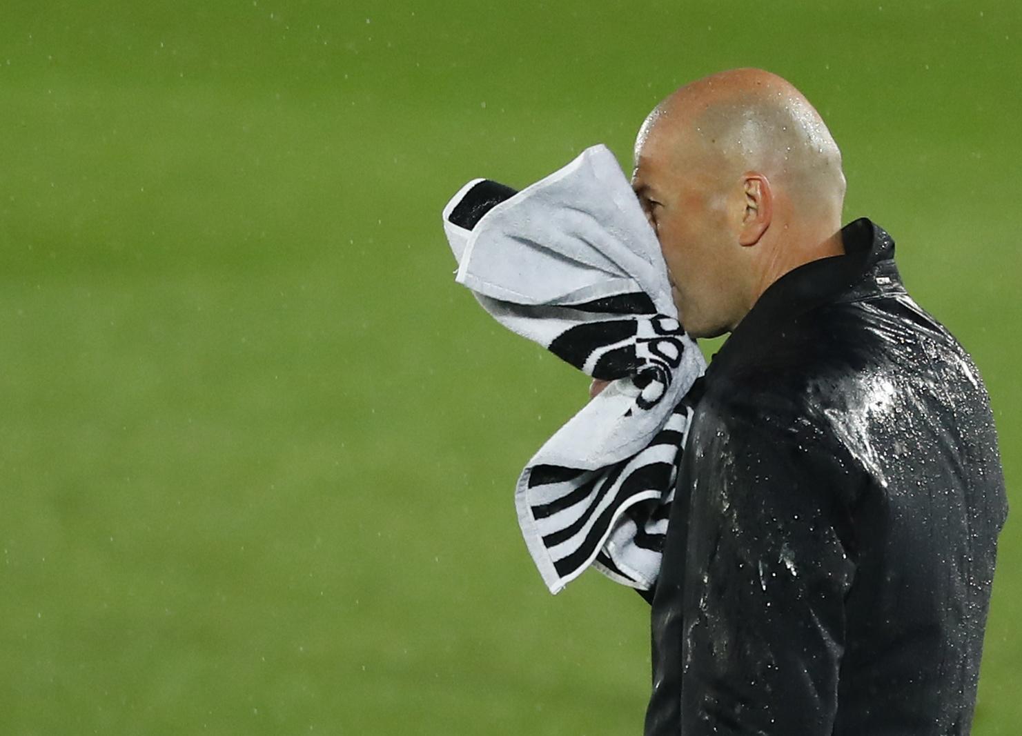 Thầy trò Zidane liên tiếp mất điểm quan trọng ở những vòng đấu gần đây tại La Liga. Ảnh: Reuters.