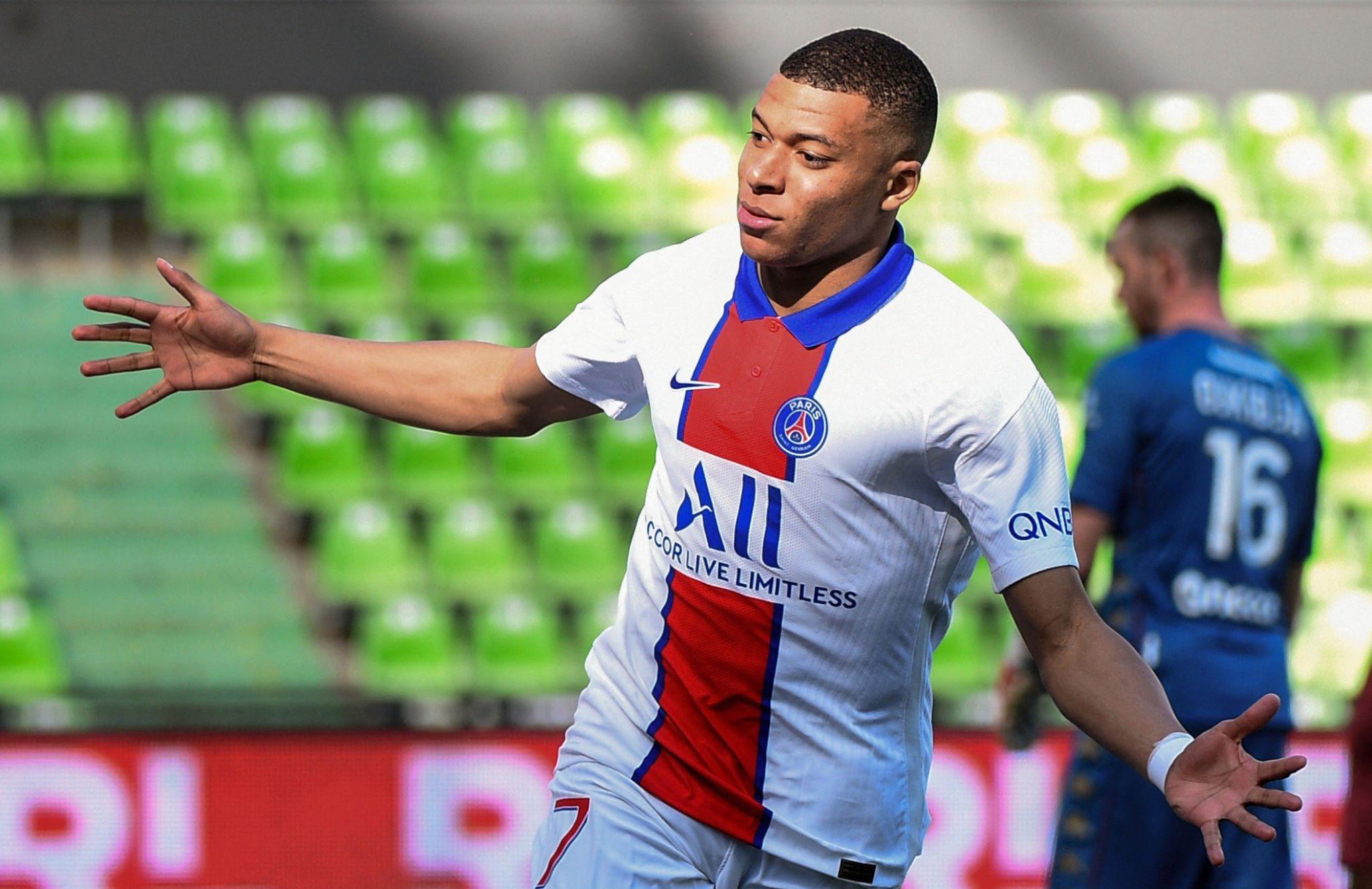 Kylian Mbappe mùa thứ hai ghi ít nhất 25 bàn ở Ligue 1 mùa này, sau 33 bàn ở mùa 2018-2019. Ảnh: AFP