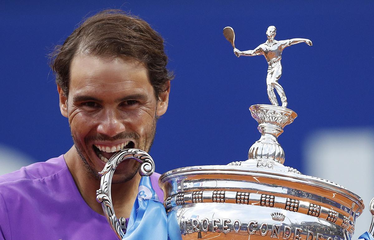 Nadal merayakan kejuaraan di tanah airnya di Spanyol.  Foto: Reuters.