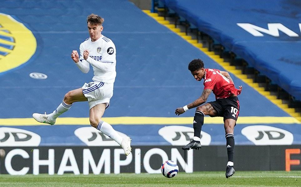 Serangan Man Utd memudar di depan gawang Leeds.  Foto: PA.