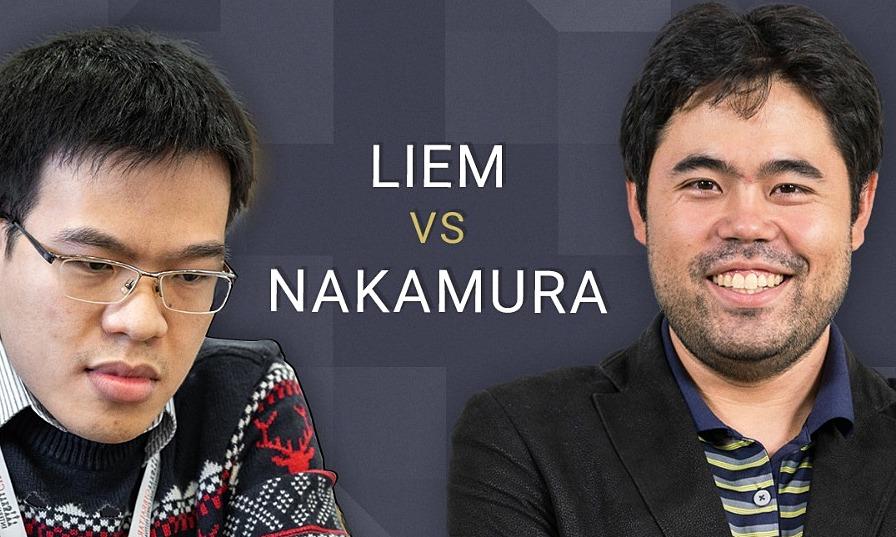 Quang Liêm (trái) tấn công dồn dập nhưng vẫn không thể hạ Nakamura. Ảnh: Chess24