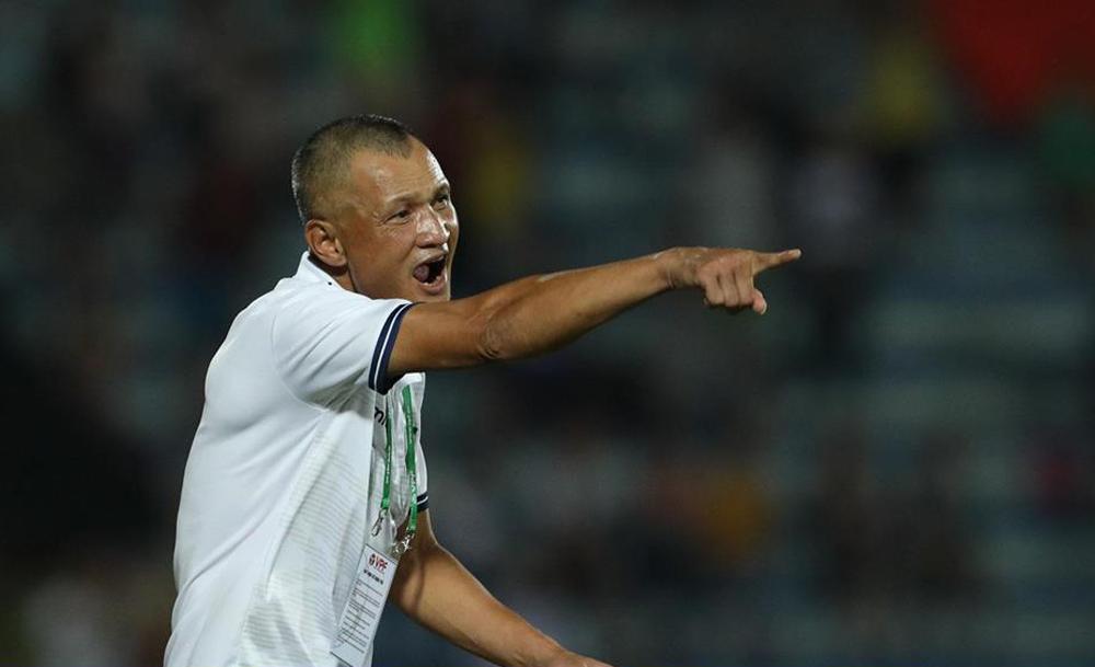 Ngo Quang Truong adalah pelatih kelima yang berhenti dari pekerjaannya di V-League 2021. Foto: Nguyen Nhu