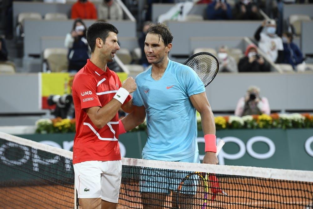 Djokovic thua tâm phục khẩu phục Nadal ở chung kết Roland Garros 2020. Ảnh: AP.