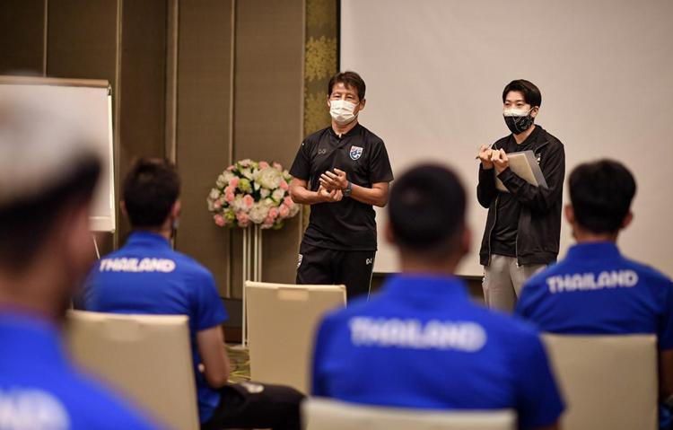 Pelatih Akira Nishino mengatakan tujuan langsungnya adalah membantu pemain menjadi bugar.  Foto: Bangkok Post