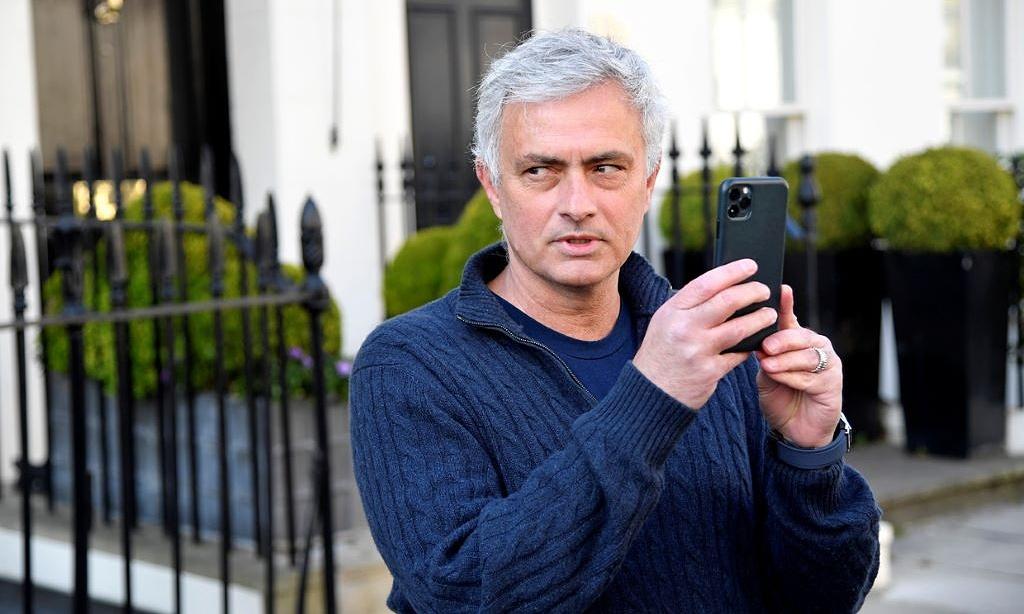 Roma bất ngờ bổ nhiệm Mourinho, ba tiếng sau khi thông báo sa thải Fonseca. Ảnh: Reuters