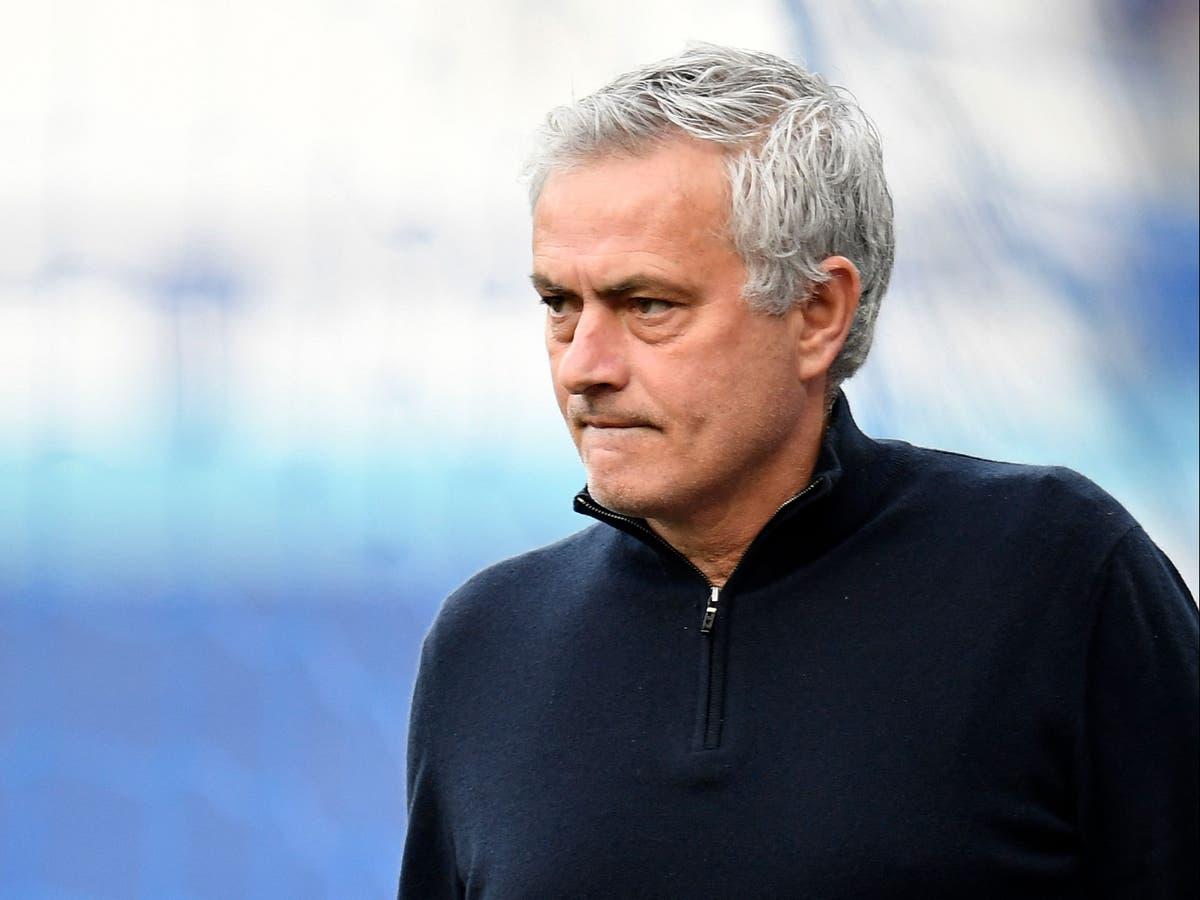 Roma là đội bóng thứ chín trong sự nghiệp cầm quân của Mourinho. Ảnh: AP.