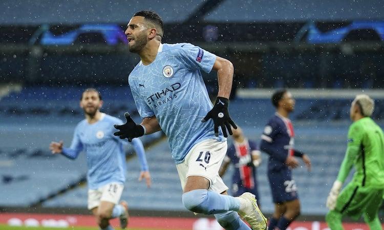 Mahrez là tác giả của ba trong số bốn bàn Man City ghi vào lưới PSG trong hai lượt trận. Ảnh: AP.