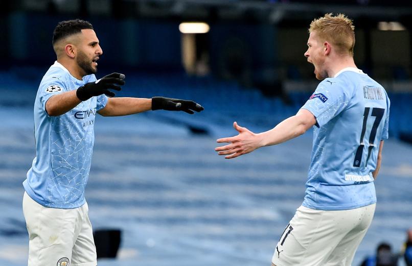 Riyad Mahrez (trái) ghi ba bàn trong hai trận bán kết. Ảnh: EFE.