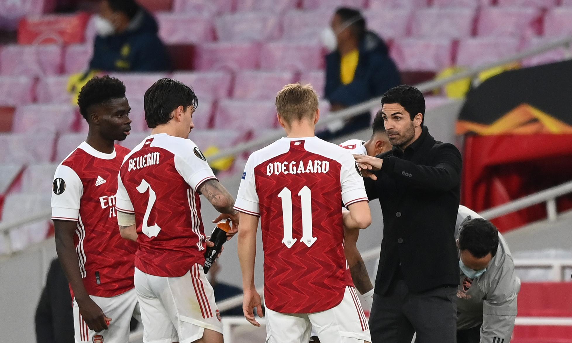 Arteta hanya memberi tahu para pemain Arsenal dalam hasil imbang 0-0 dari Villarreal di leg kedua semifinal Liga Europa pada 6 Mei.  Foto: Twitter / Arsenal