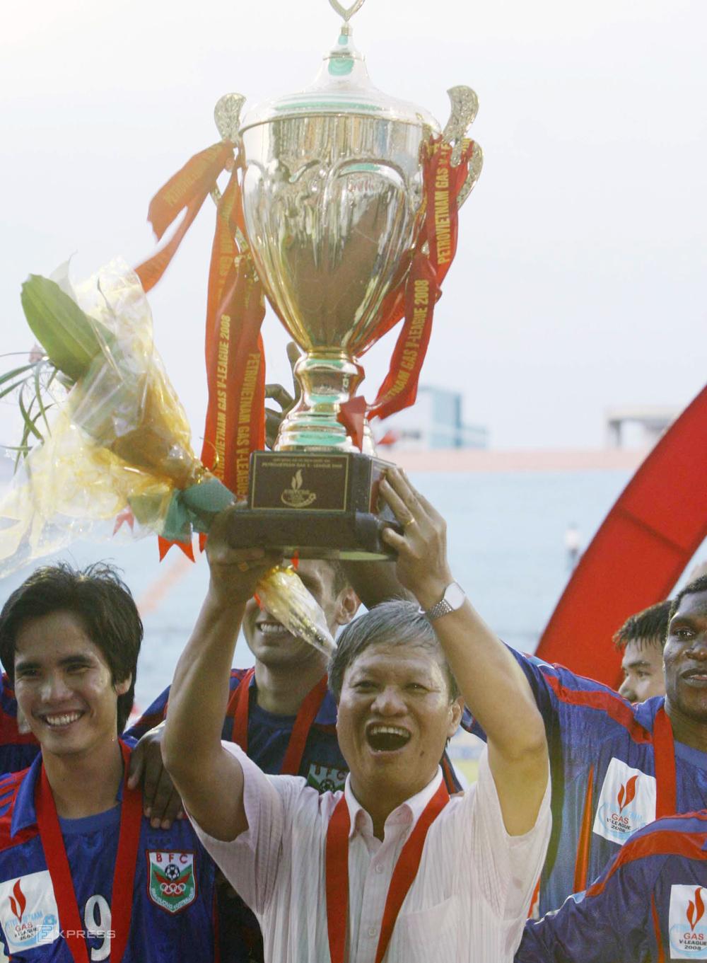 HLV Lê Thuỵ Hải từng ba lần vô địch V-League cùng Bình Dương. Ảnh: Đức Đồng