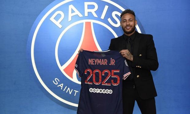 Neymar akan bertahan di PSG selama empat tahun lagi.  Foto: PSG.