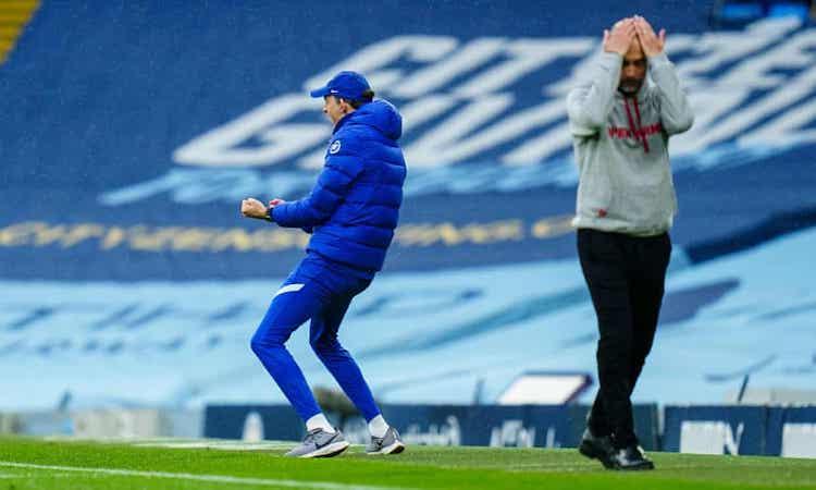 Tuchel  ăn mừng còn  Guardiola ôm đầu tiếc nuối sau bàn thắng của Alonso. Ảnh: BPI.