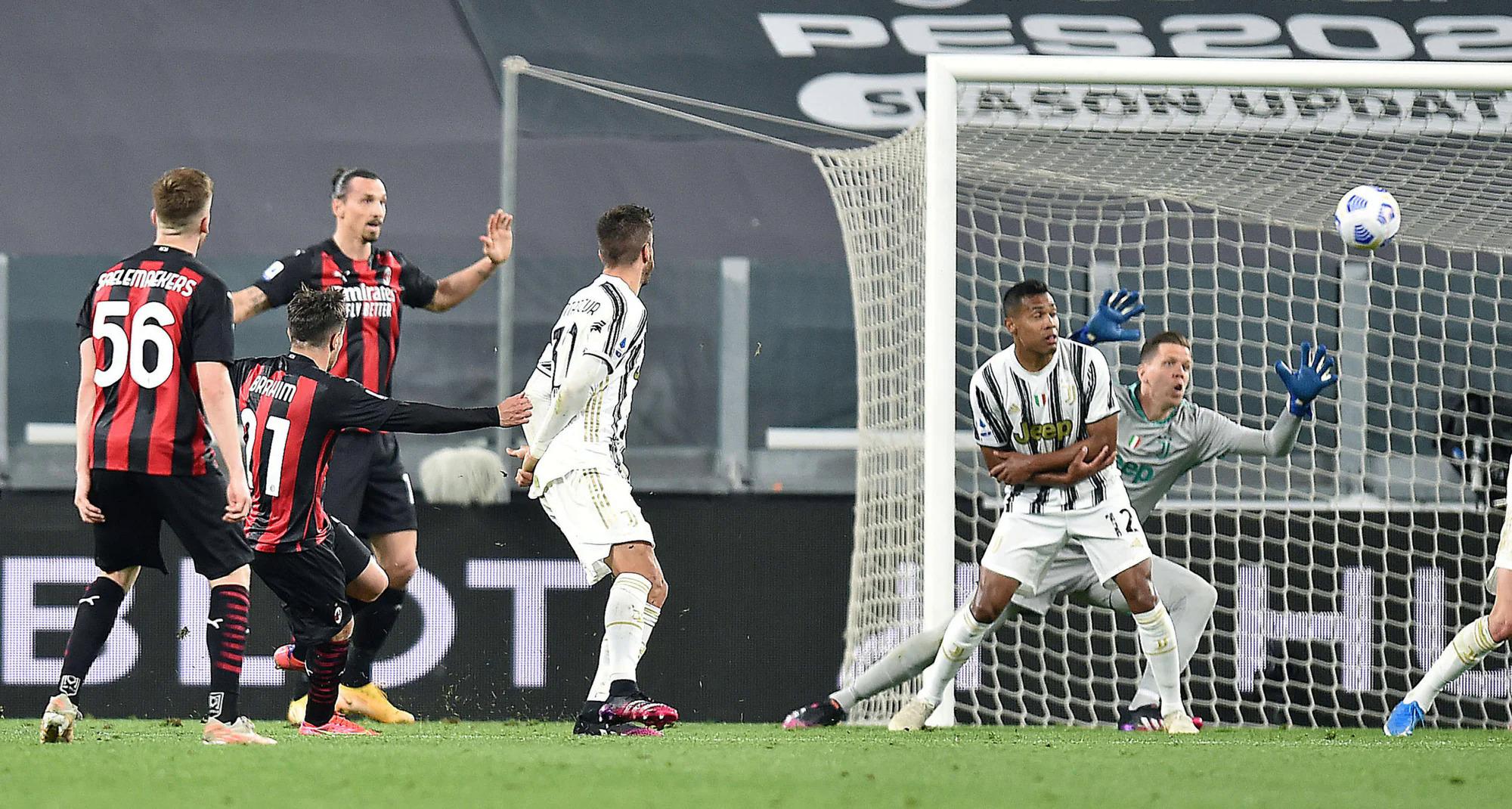 Brahim Diaz mở tỷ số cho Milan ở phút bù giờ hiệp một. Ảnh: ANSA