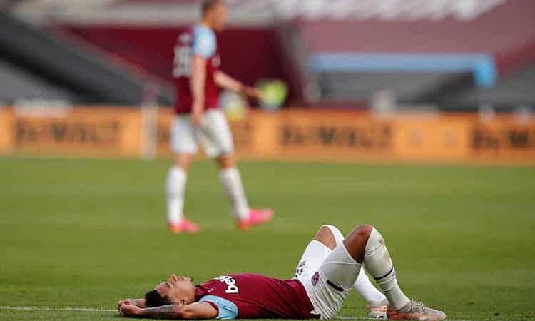 Lingard và  đồng  đội không có nổi một pha  dứt  điểm  trúng  đích  trong  cả  trận. Ảnh: Reuters.