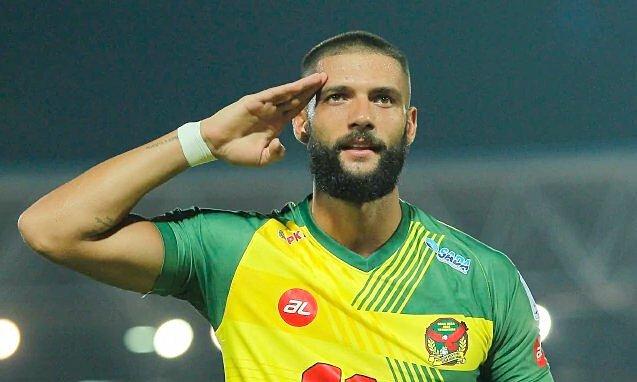 Krasniqi sinh ra ở Kosovo, trưởng thành tại lò đào tạo của Nurnberg và Slavia Prague. Anh từng đoạt Cup CH Czech năm 2011. Ảnh: Indika Bola
