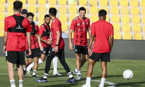 UAE gọi ba cầu thủ nhập tịch đấu Việt Nam