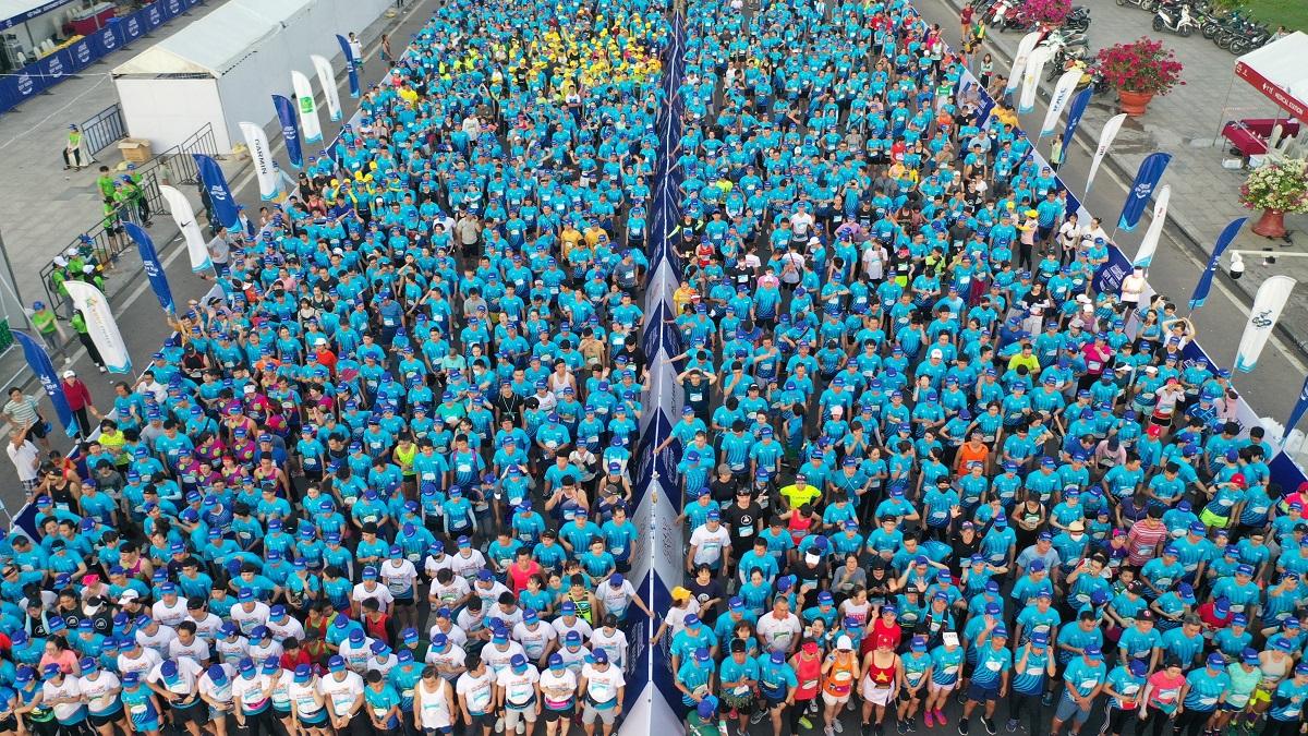 Thousands of 5 km athletes prepare to start at VnExpress Quy Nhon 2020 Marathon. Photo: VnExpress Marathon.