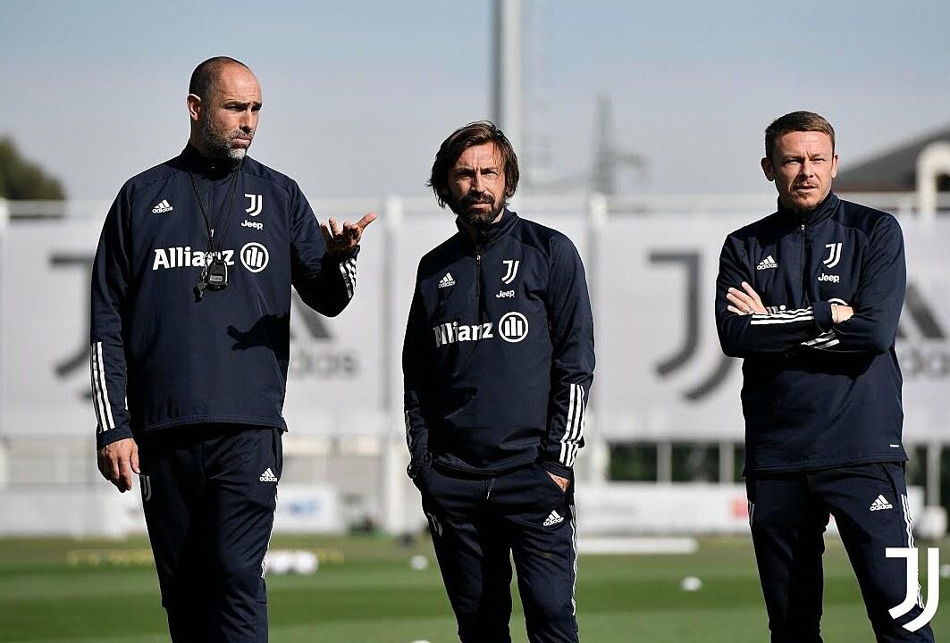 Tudor (kiri) diyakini bisa menjadi manajer sementara, jika Juventus memecat Pirlo sebelum akhir musim ini.  Foto: Juventus FC