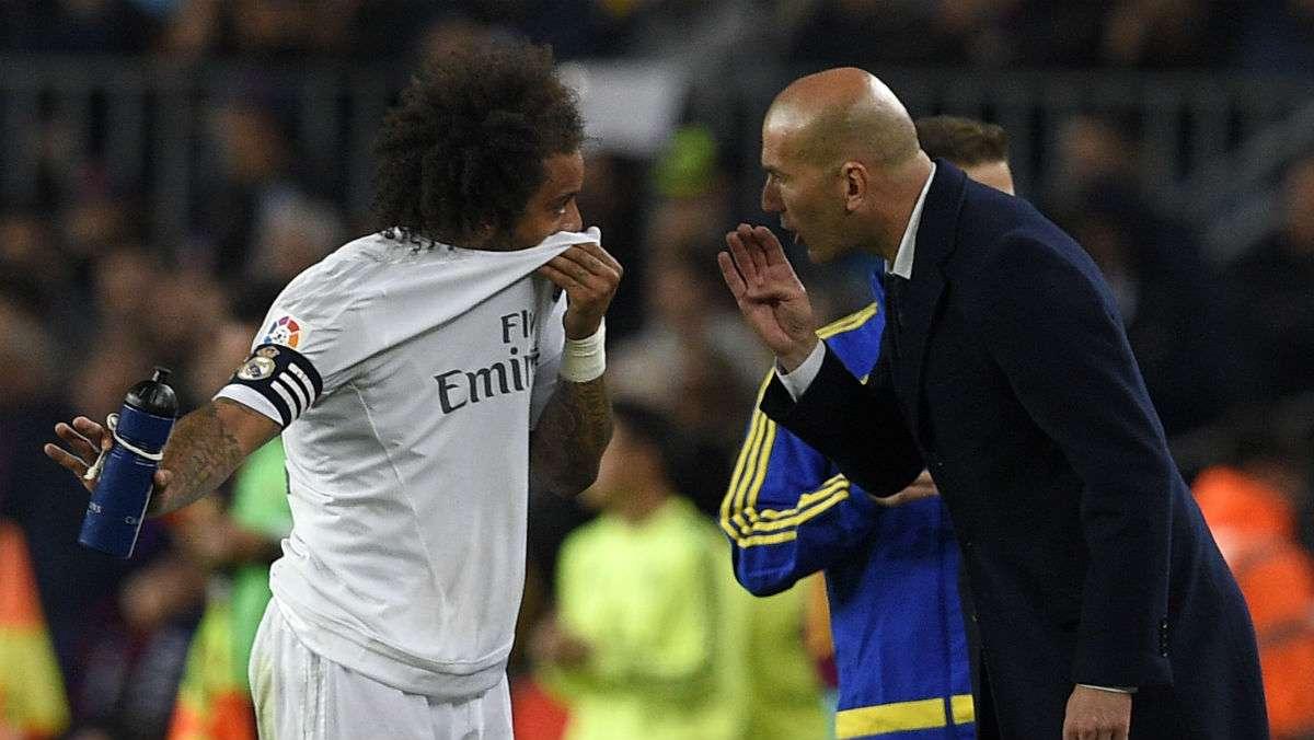 Zidane tidak takut menerapkan darurat militer kepada Marcelo - salah satu dewa di Real Madrid.  Foto: AFP