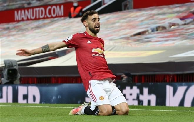 Bruno Fernandes là điểm sáng hiếm hoi của Man Utd trong trận tiếp Liverpool. Ảnh: Reuters.